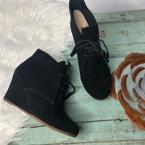 Dolce Vita Wedge Booties 8.5 Black Suede Laces